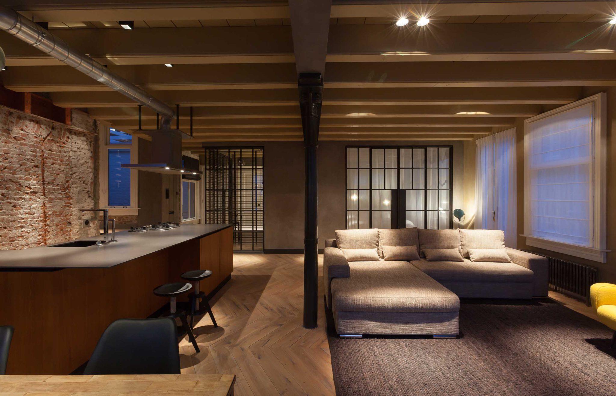 Appartement aan het rokin ontworpen door interieurontwerper Cris Van Amsterdam