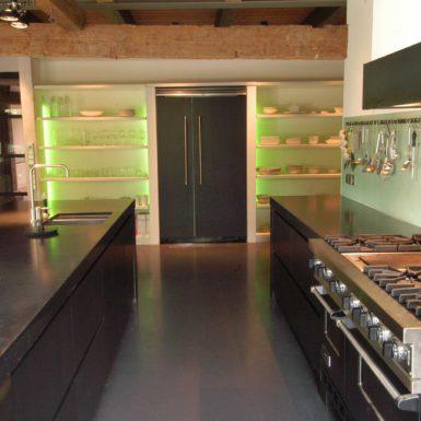 Woonhuis Zwaagdijk is ontworpen door interieurontwerper Cris van Amsterdam.