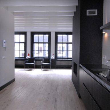 De Runstraat nummer 2 in Amsterdam is ontworpen door interieurontwerper Cris Van Amsterdam.